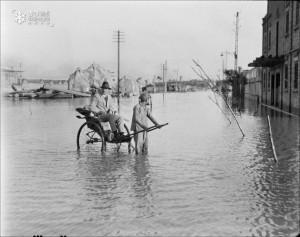 民國六年  (1917年),天津水災。(西德尼-戴維-甘博 Sidney David Gamble 攝)
